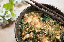 Tofu & Veggies Stir Fry with Spicy Peanut Sauce